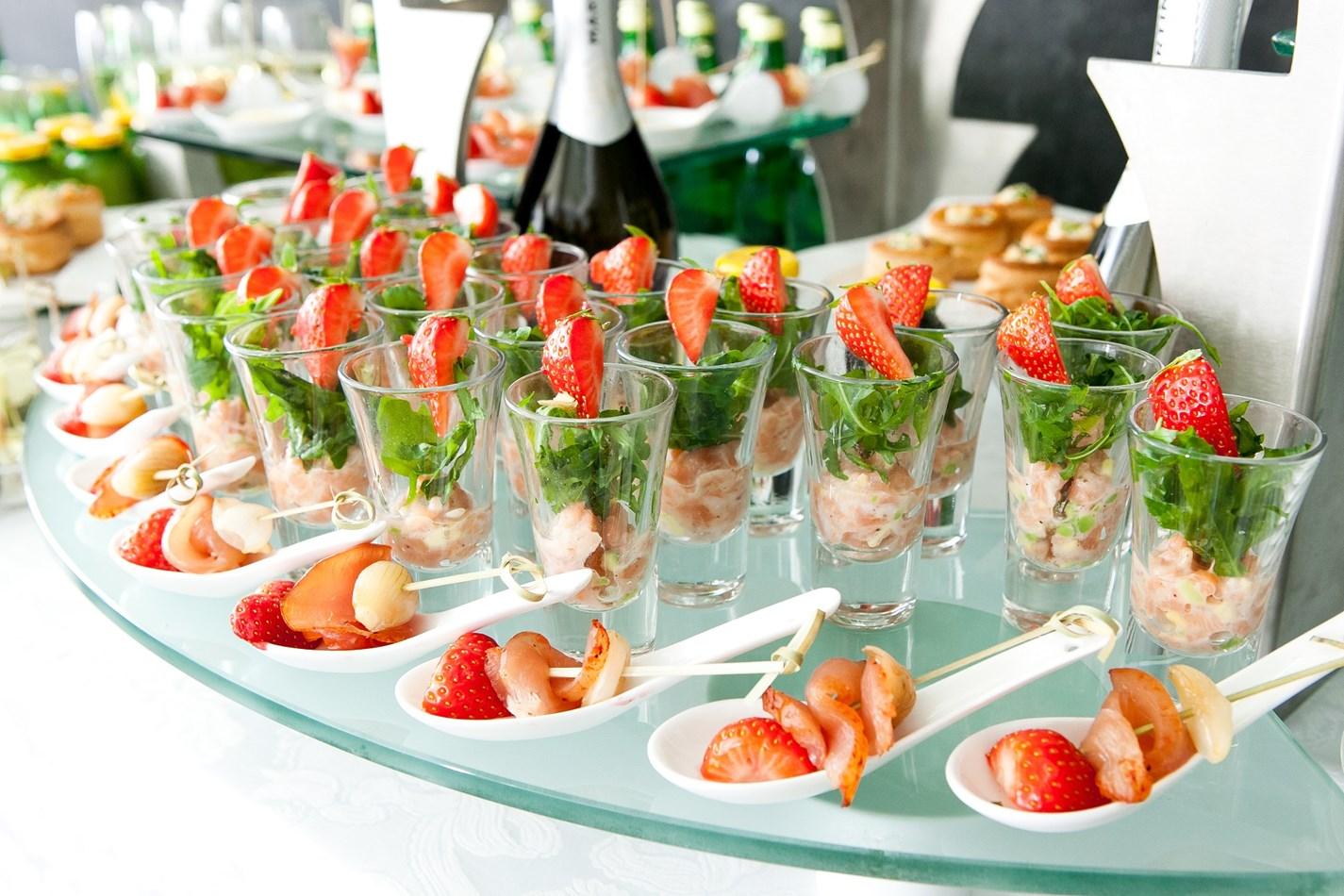 Фото фуршетные блюда для ресторанов солдаты